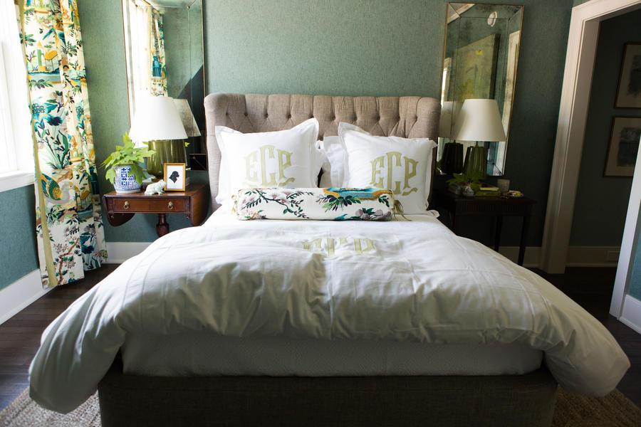 monogrammed-bedding-2446504-1020