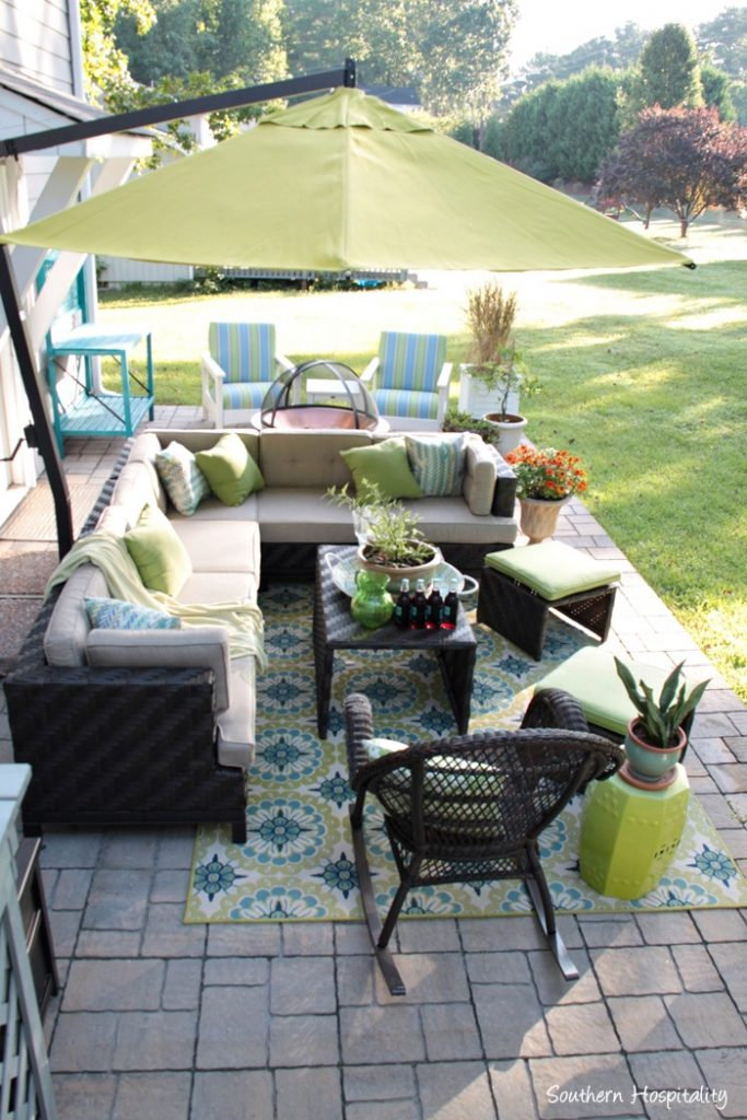 outdoor patio space with umbrella006