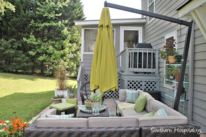 outdoor patio space with umbrella012