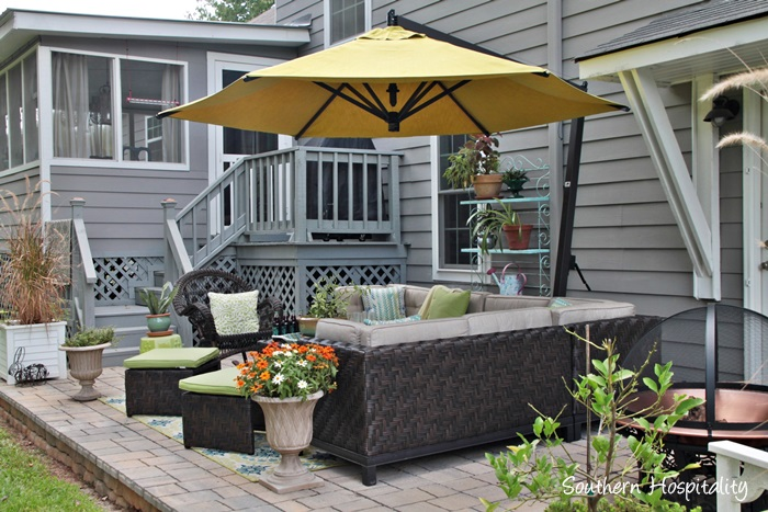 outdoor patio space with umbrella022