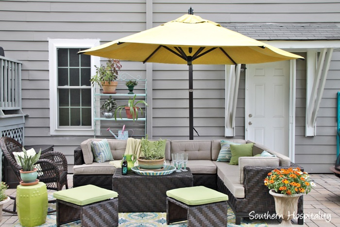 outdoor patio space with umbrella026