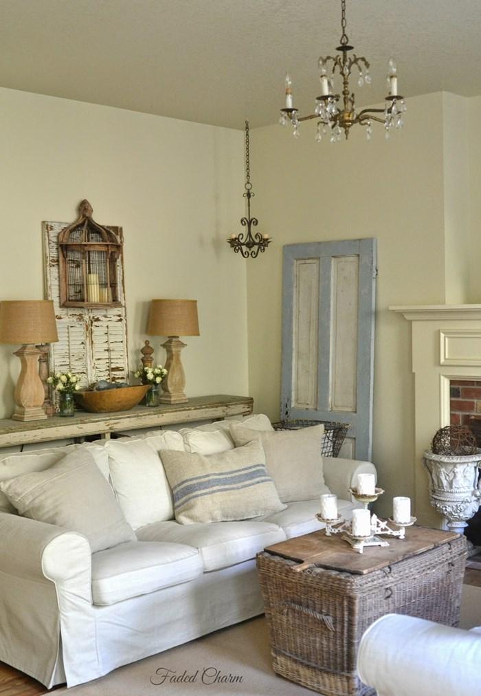 Living Room Blues 133