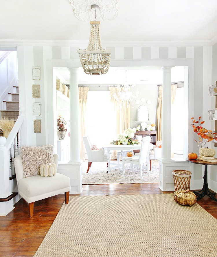 More fall decorating inspiration southern hospitality for Front room decor