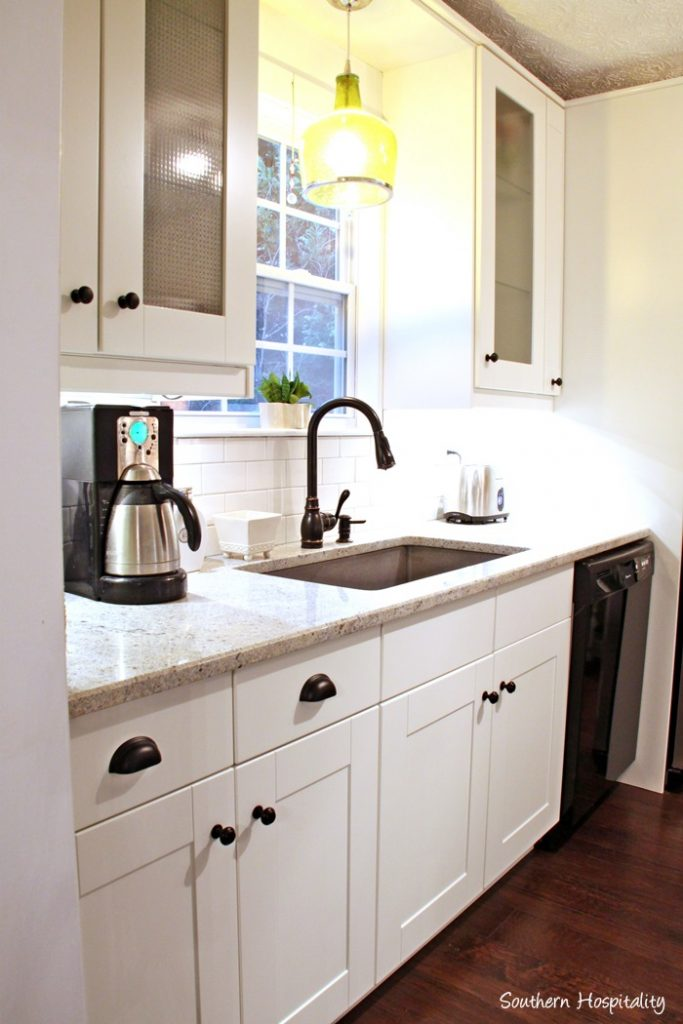 Kitchens With White Shaker Cabinets Get Dirty