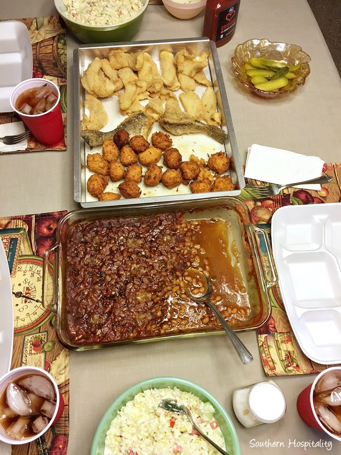 family-fish-fry-mountains008