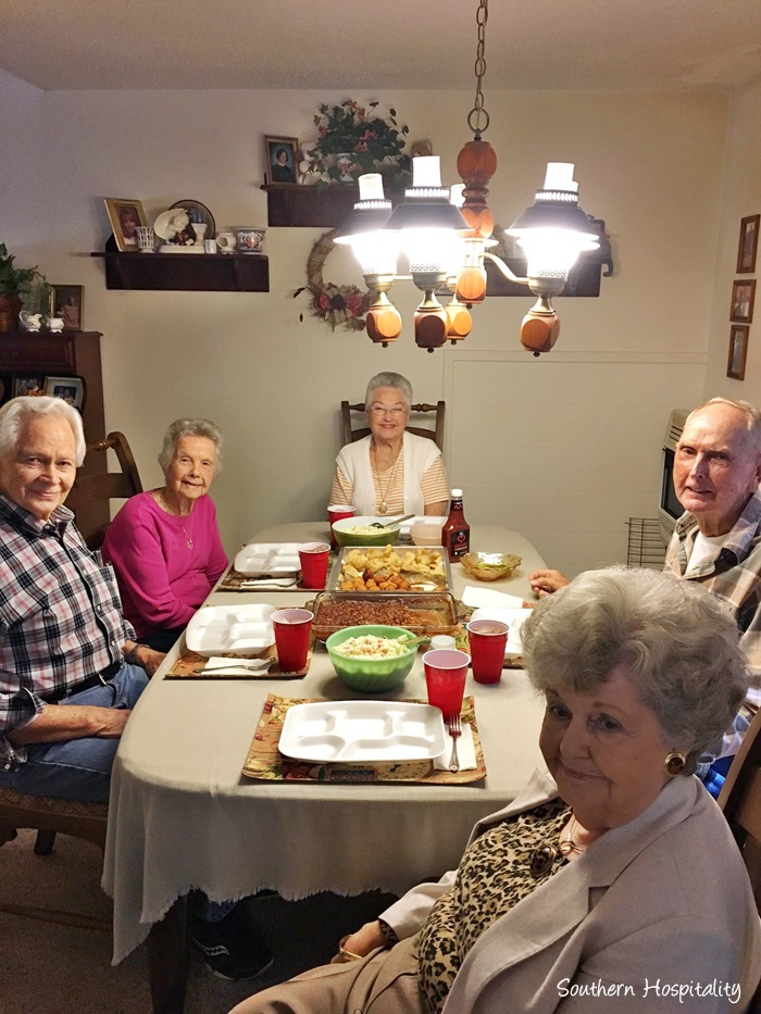 family-fish-fry-mountains009