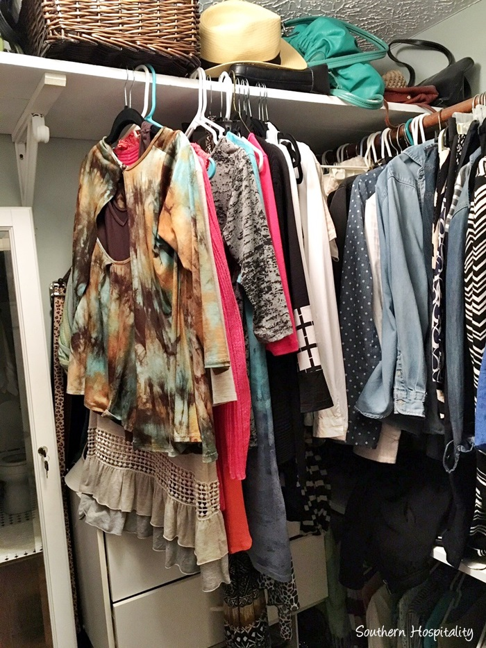small-closet-organization002