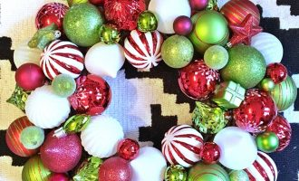 DIY Green and Red Christmas Wreath