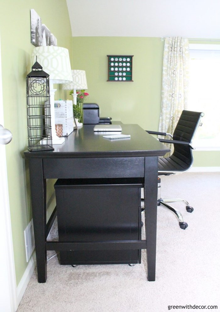 green-home-office-black-desk-modern-desk-chair-4-721x1024