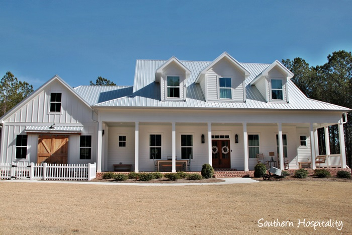 Feature friday modern farmhouse in north atlanta for Southern farmhouse
