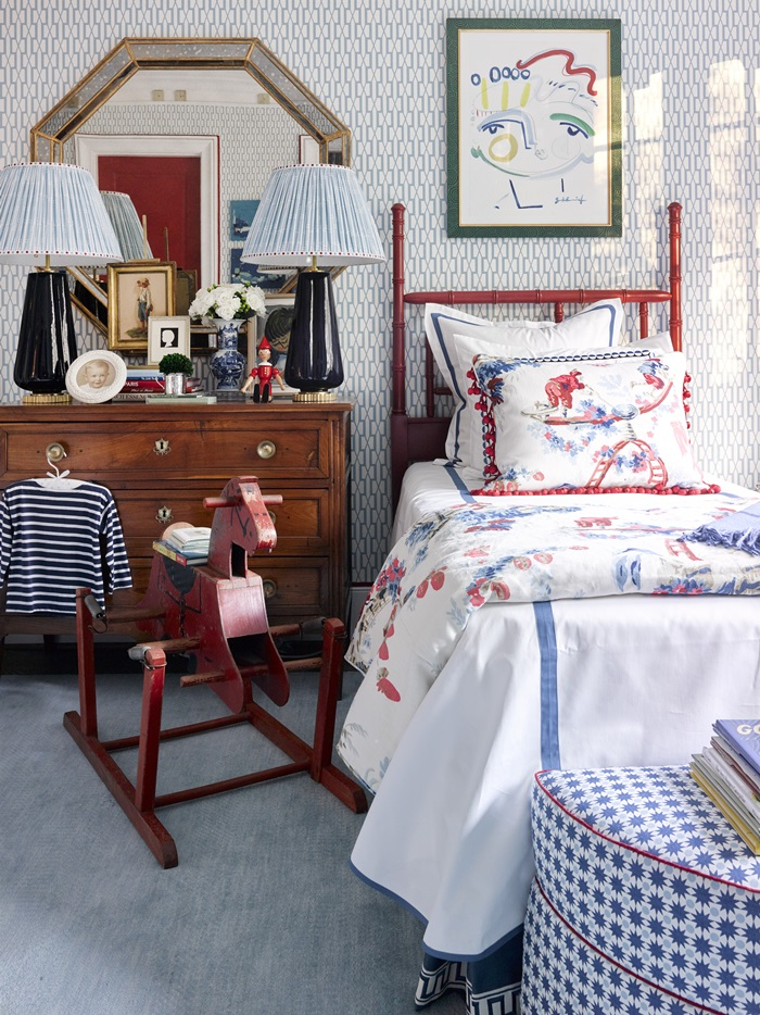 Cheerful red and blue in child's room in Atlanta holiday showhouse 2017