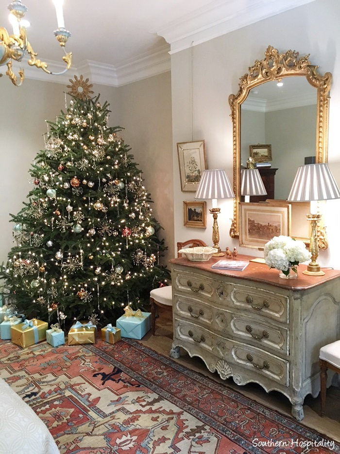 Christmas tree in elegant Atlanta holiday showhouse 2017