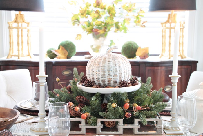 thanksgiving table setting centerpiece