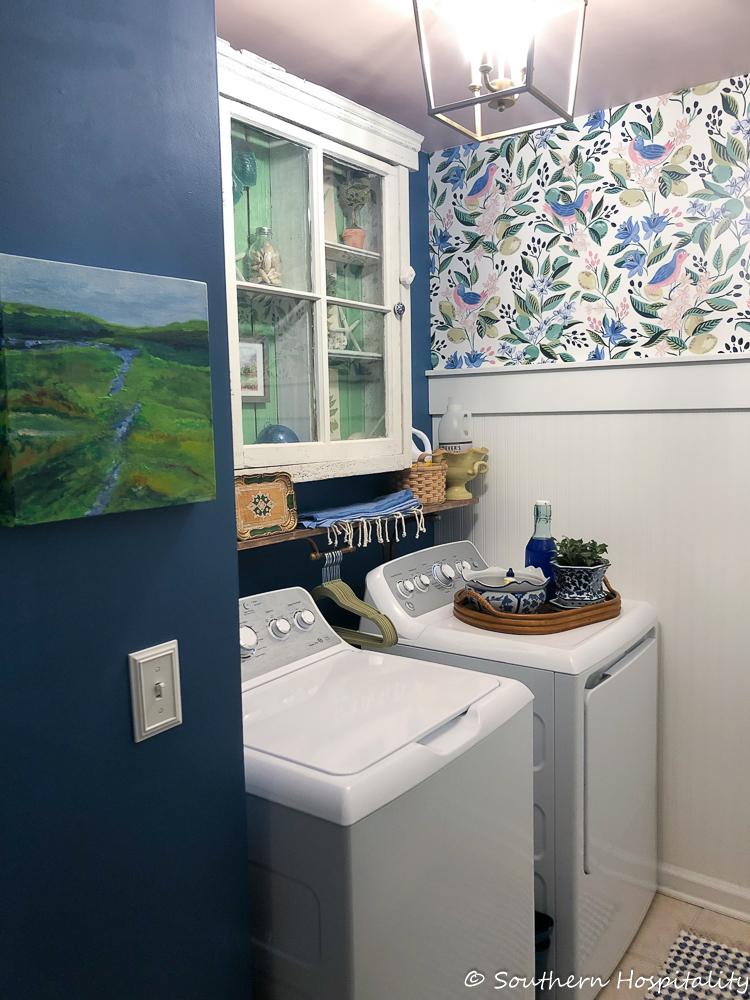 Modern vintage small laundry room ideas southern hospitality - Tiny laundry room ideas ...