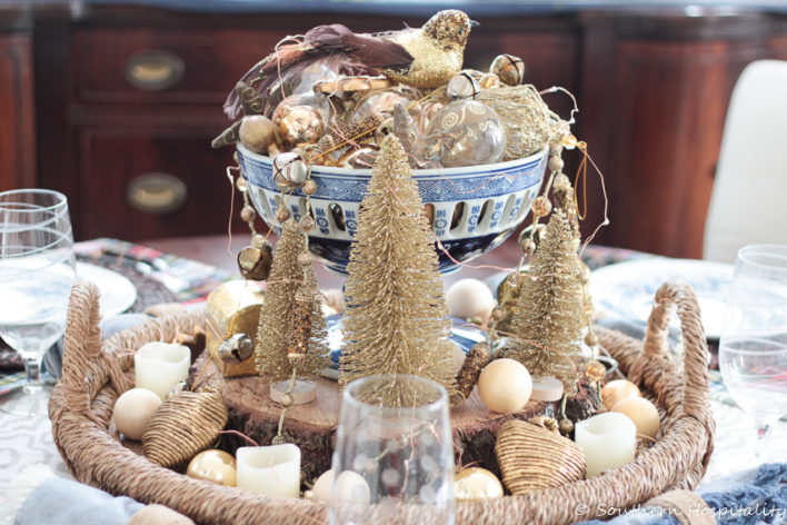 Christmas table gold centerpiece